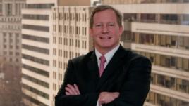 Đối tác cao cấp của công ty luật Woodley & McGillivary, ông Gregory McGillivary.